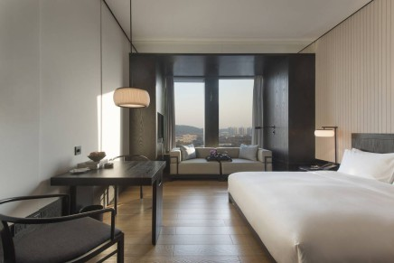 Hyatt Regency Wuhan Optics Valley debuts