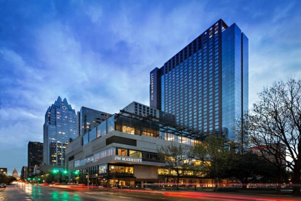 Marriott and Starwood announce merger